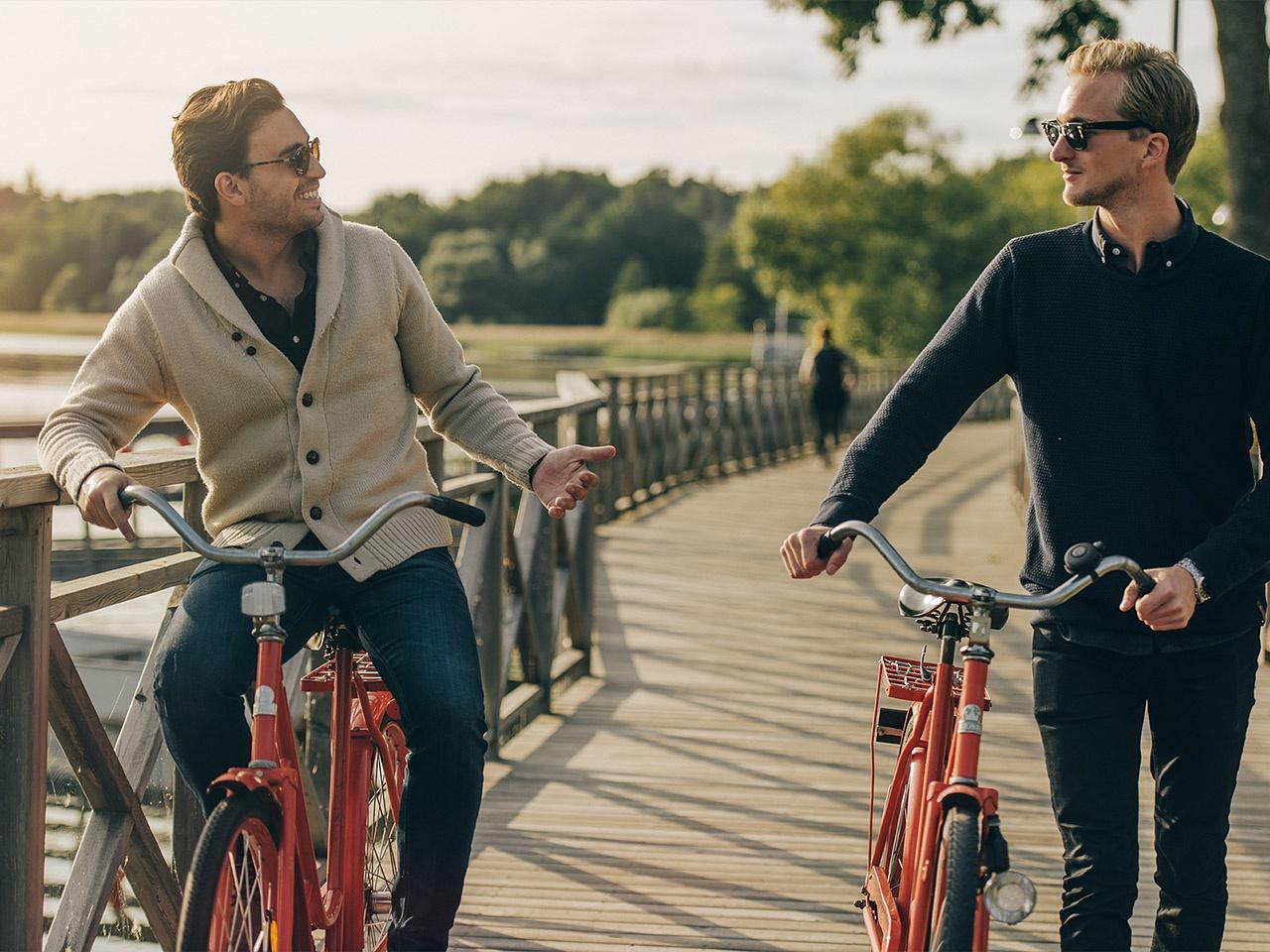 cykel vid vattnet