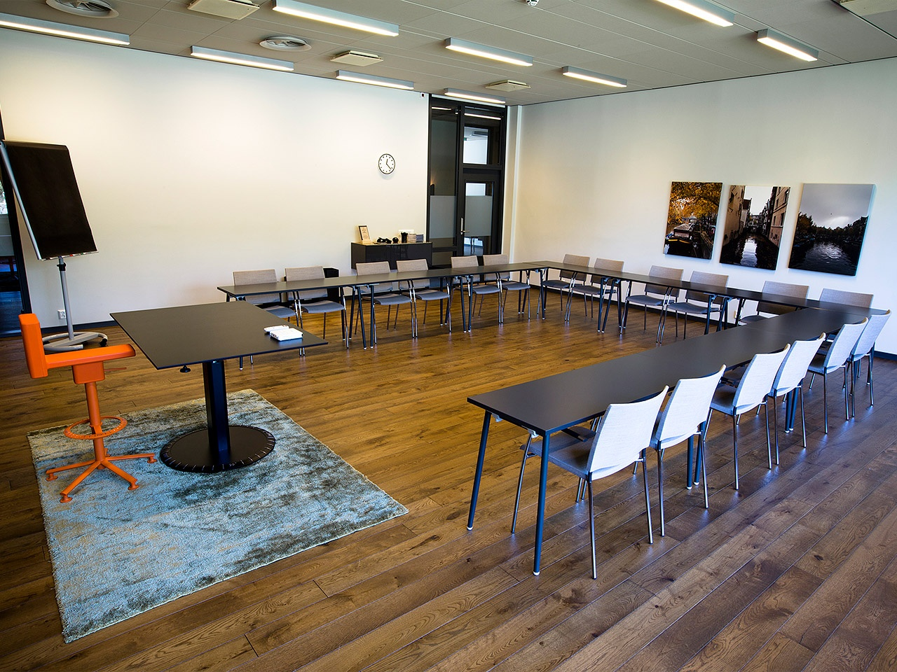konferenslokal_amsterdam_sittning